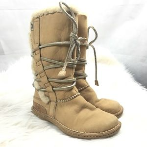 UGG Catalina Lace UP Boot Sz.6